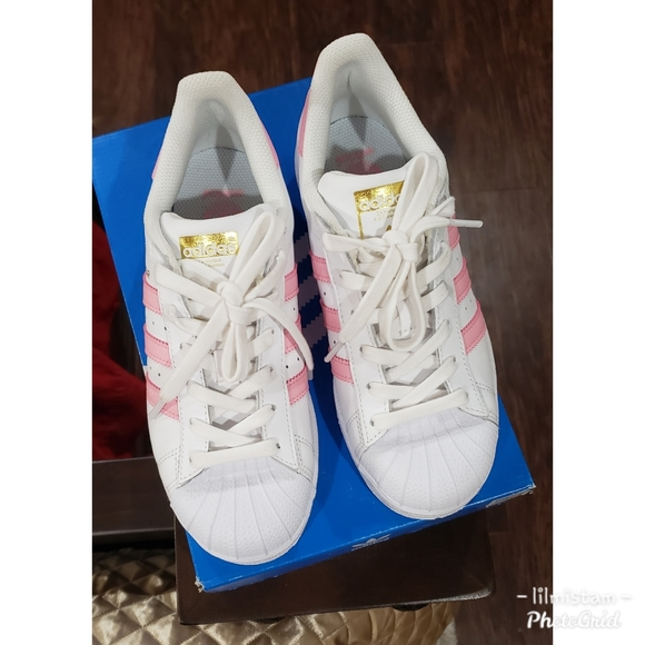 adidas superstar white with light pink stripes